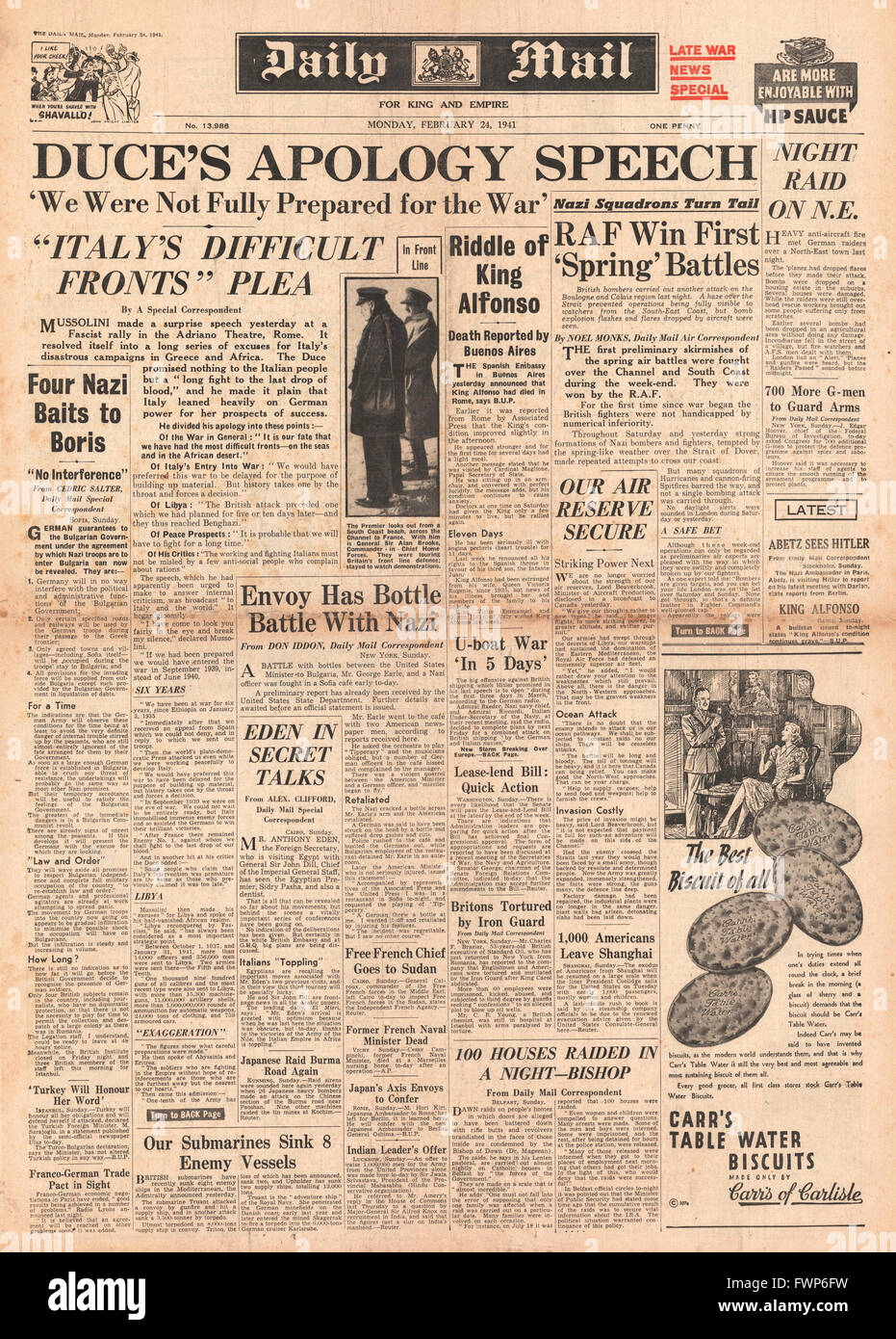 1941 front page  Daily Mail Mussolini admits errors and heavy losses - Stock Image