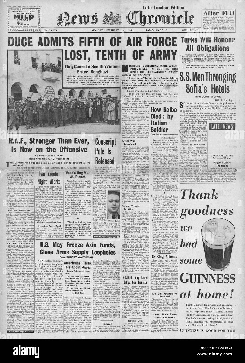 1941 front page News Chronicle Mussolini admits errors and heavy losses - Stock Image