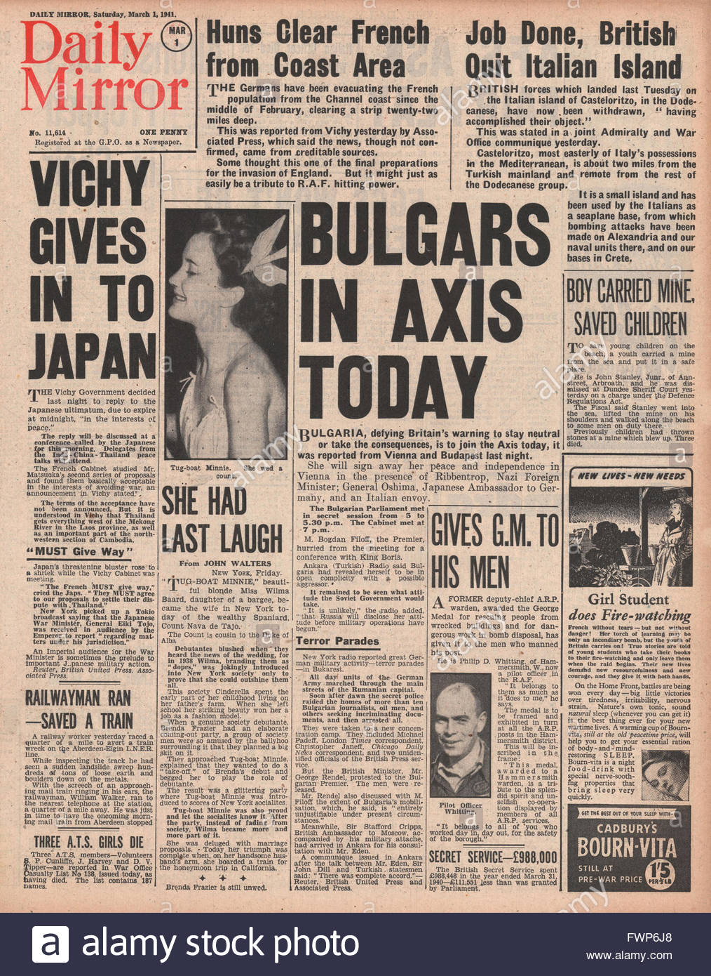 1941 front page Daily Mirror Bulgaria to join Axis - Stock Image