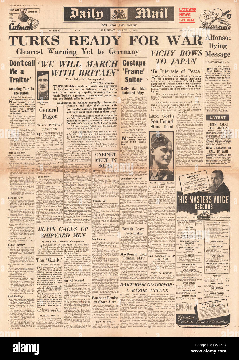 1941 front page Daily Mail Turkey ready for war over German threat in the Balkans - Stock Image