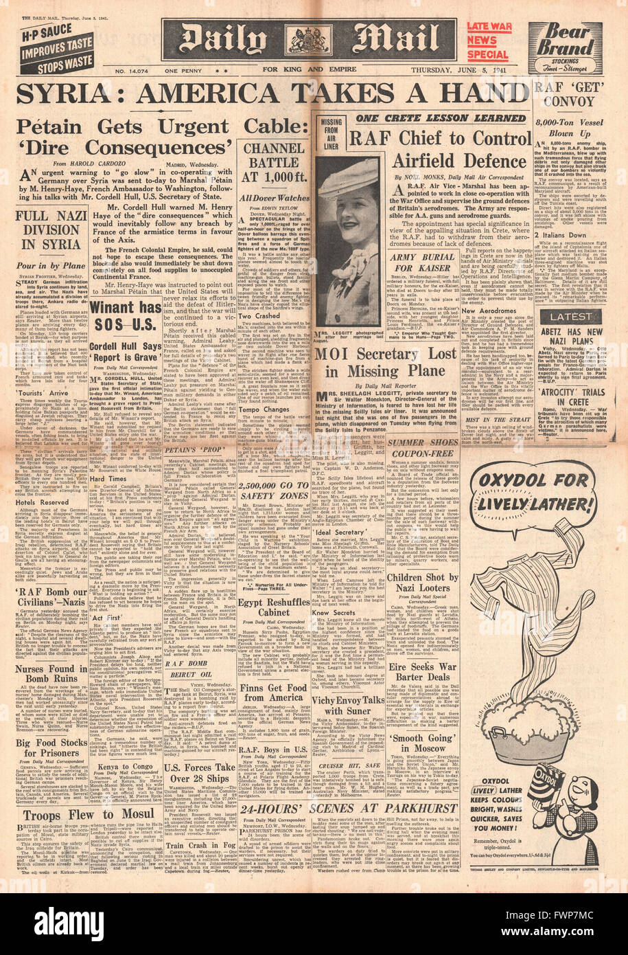 1941 front page  Daily Mail Roosevelt warns Vichy France and riot at Parkhurst Prison, Isle of Wight - Stock Image