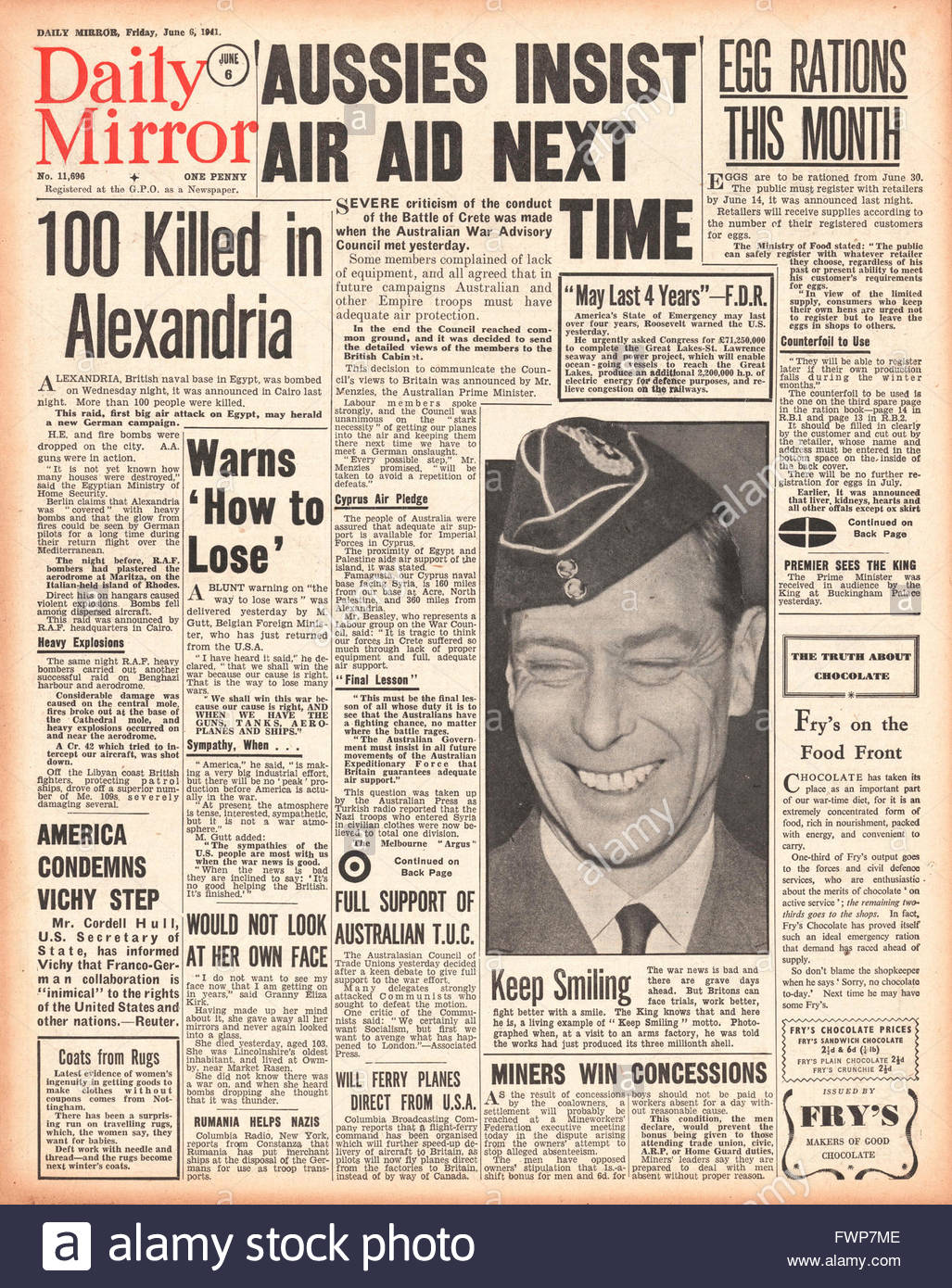 1941 front page Daily Mirror Alexandria raided by Luftwaffe, Battle of Crete, Egg Rations and King George VI - Stock Image