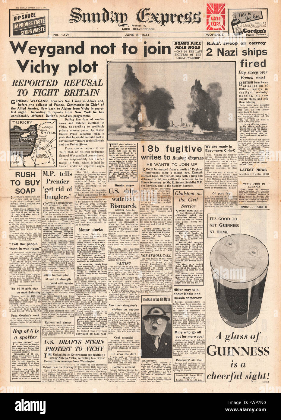 1941 front page Sunday Express General Weygand not to fight Britain - Stock Image