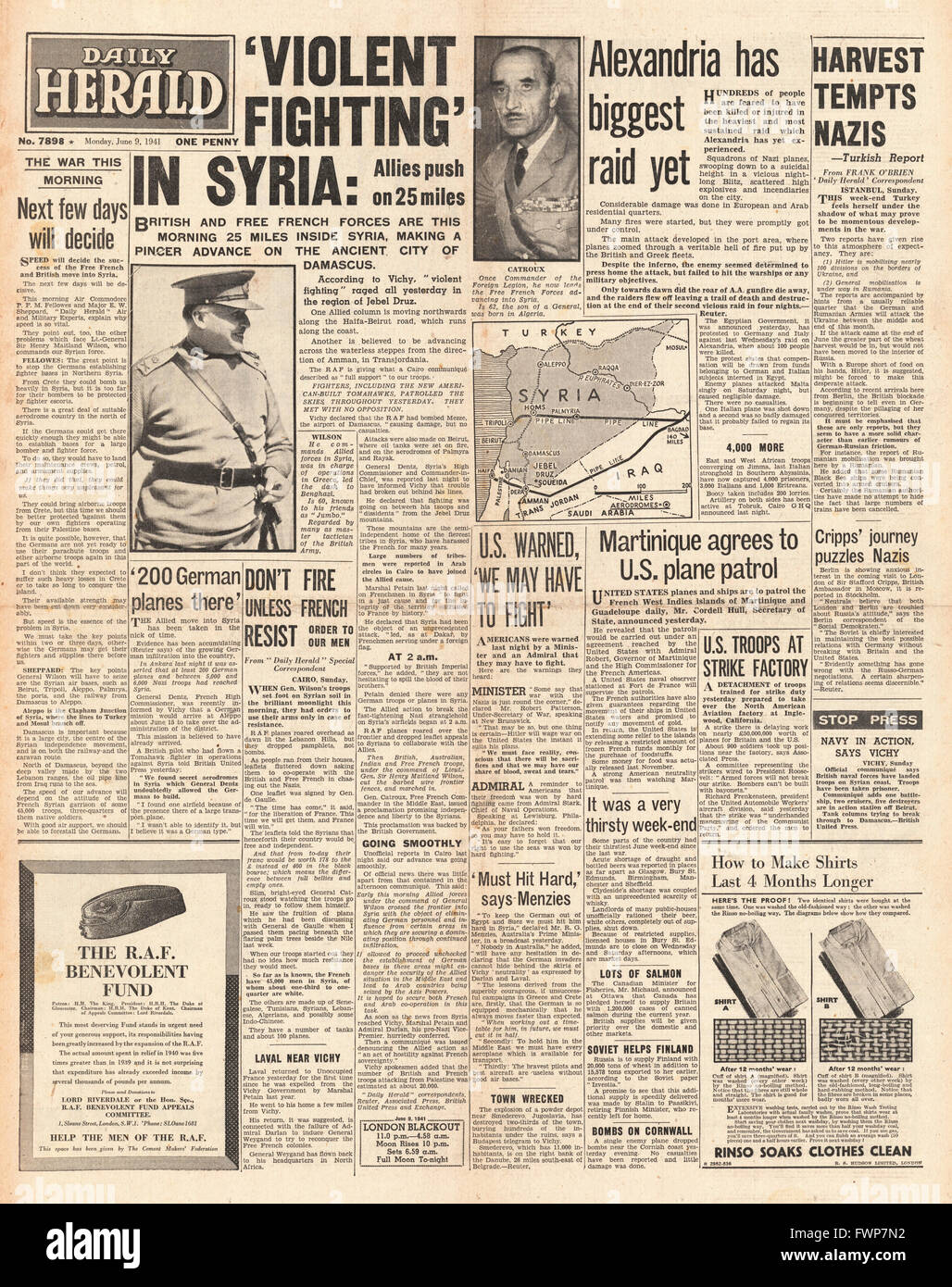 1941 front page  Daily Herald British and Free French Forces enter Syria - Stock Image