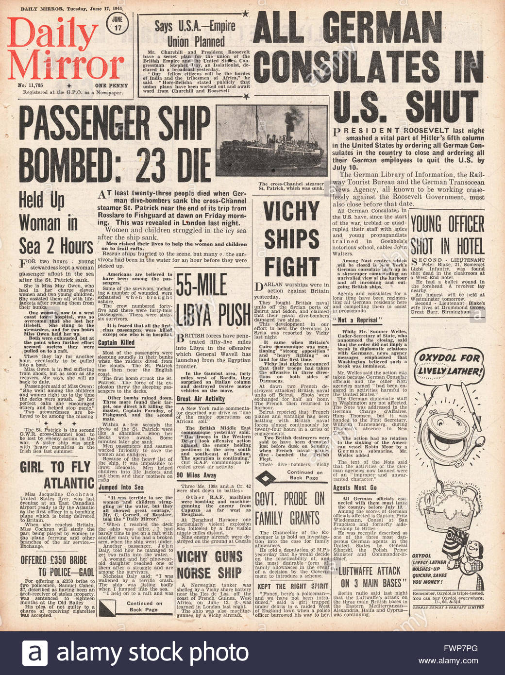 1941 front page  Daily Mirror Cross Channel Steamer St.Patrick sunk by Luftwaffe Bombers off Pembrokeshire coast - Stock Image