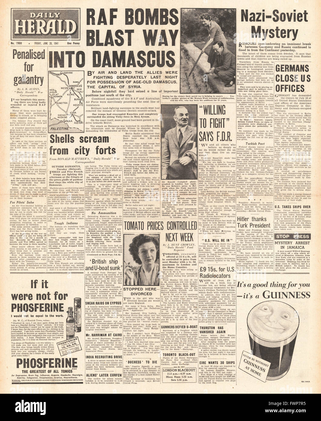 1941 front page  Daily Herald Allied forces bombard Damascus - Stock Image