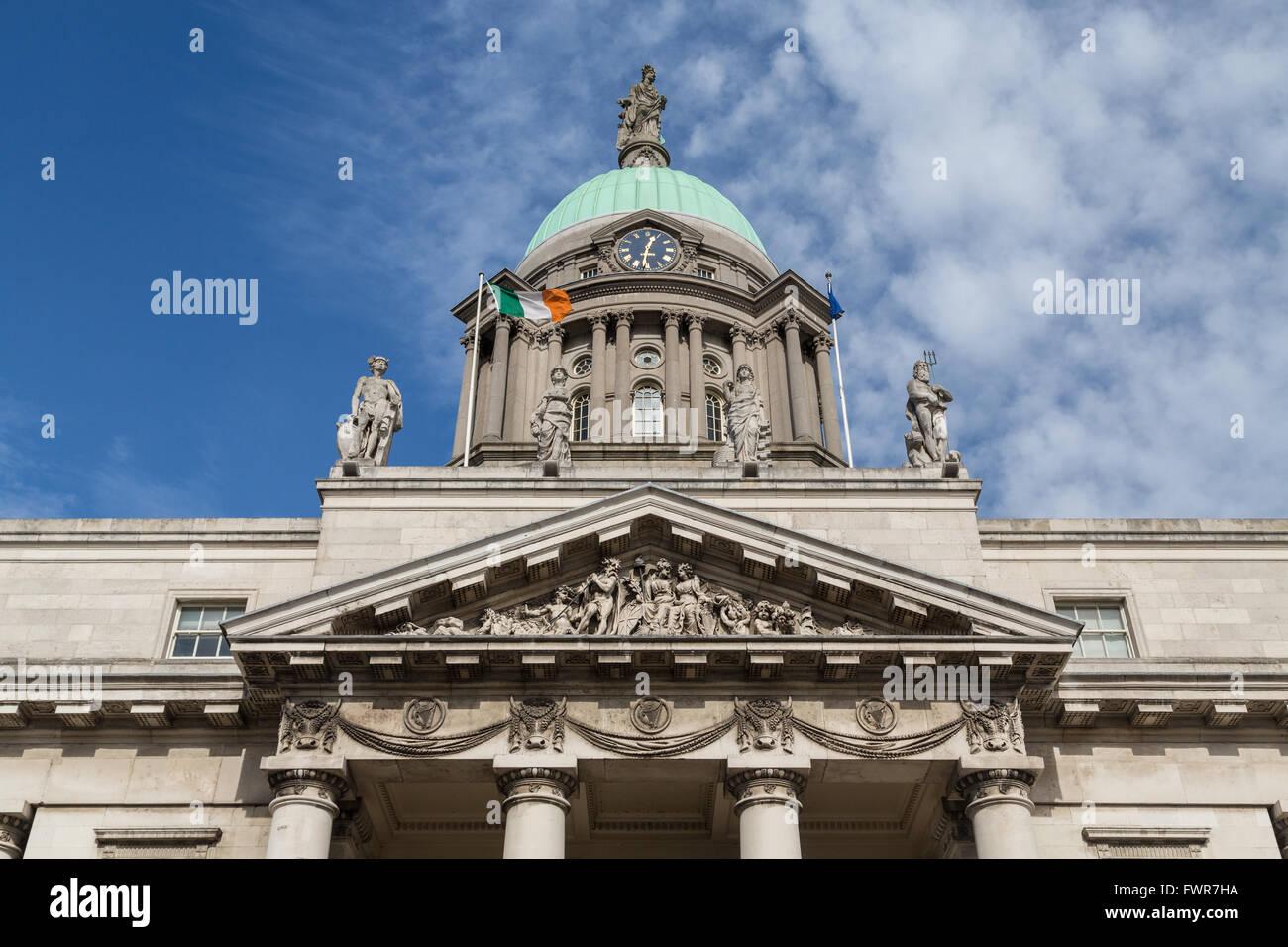 Custom House, Liffey bank, Dublin, Ireland - Stock Image