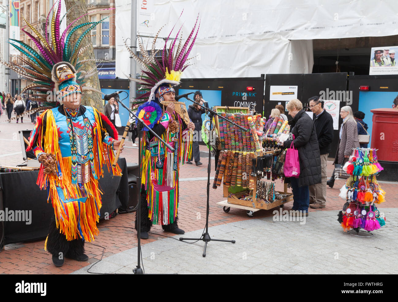 Peruvian buskers playing south american music in Broad Street, Reading, Berkshire UK - Stock Image