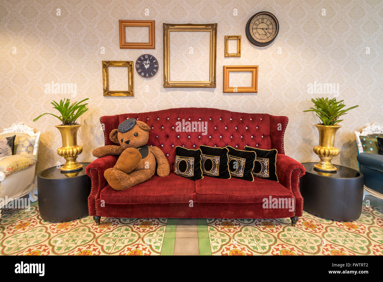 Red sofa couch in morocco style room Stock Photo: 101963794 - Alamy