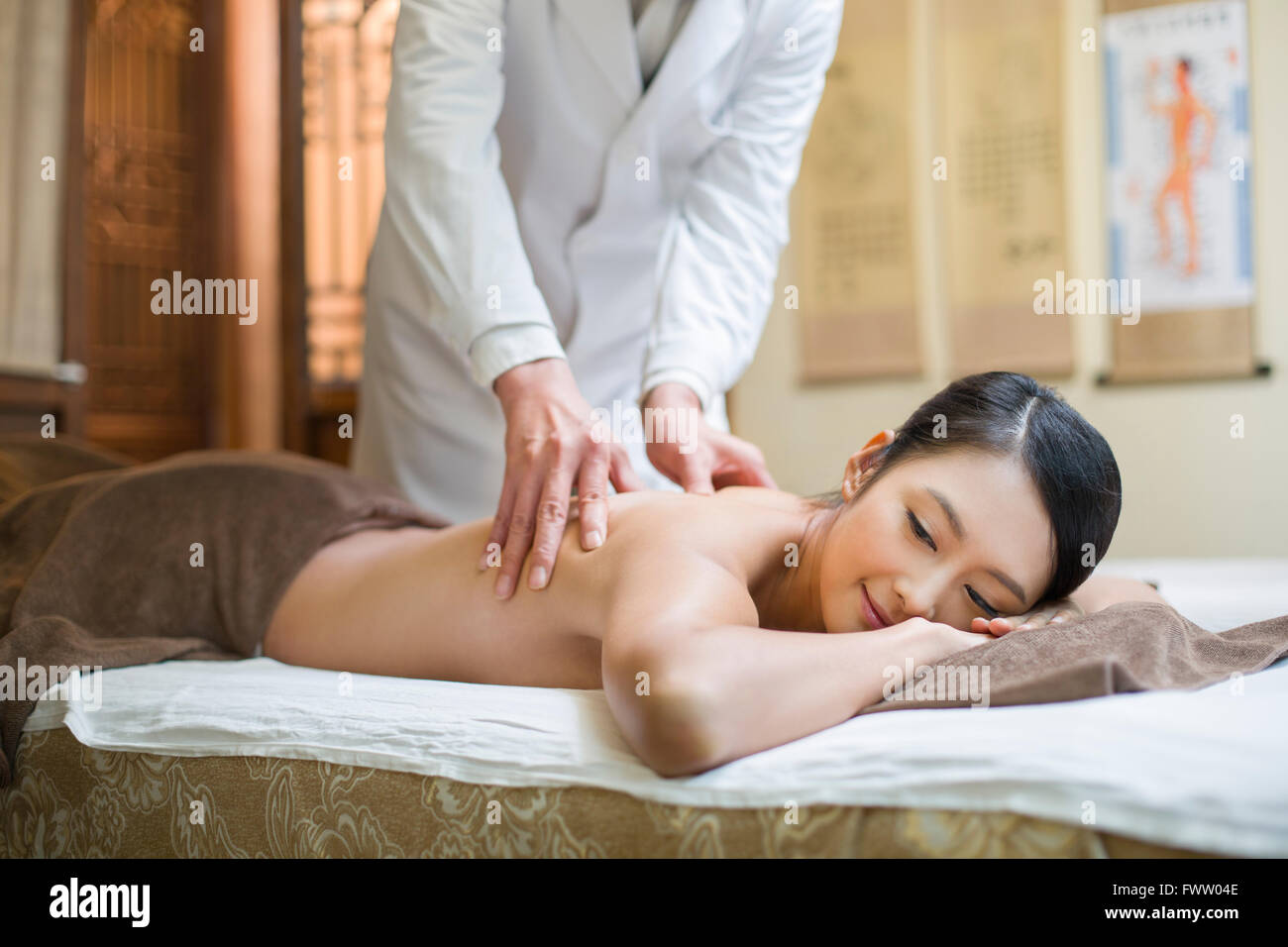 Shiatsu Asia Stock Photos  Shiatsu Asia Stock Images - Alamy-6826