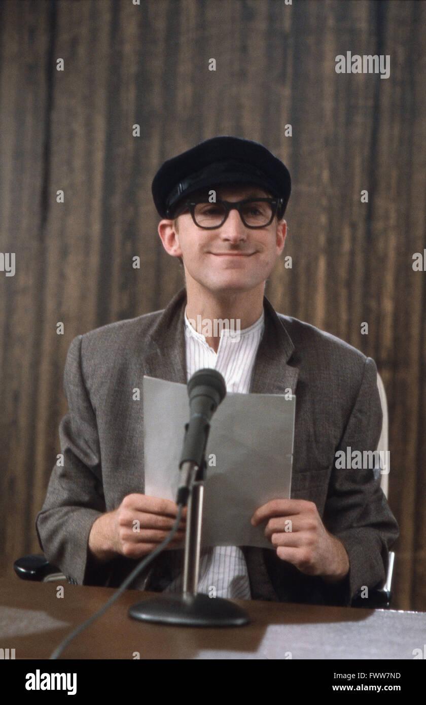 Deutscher Komiker Otto Waalkes als Reporter Harry Hirsch