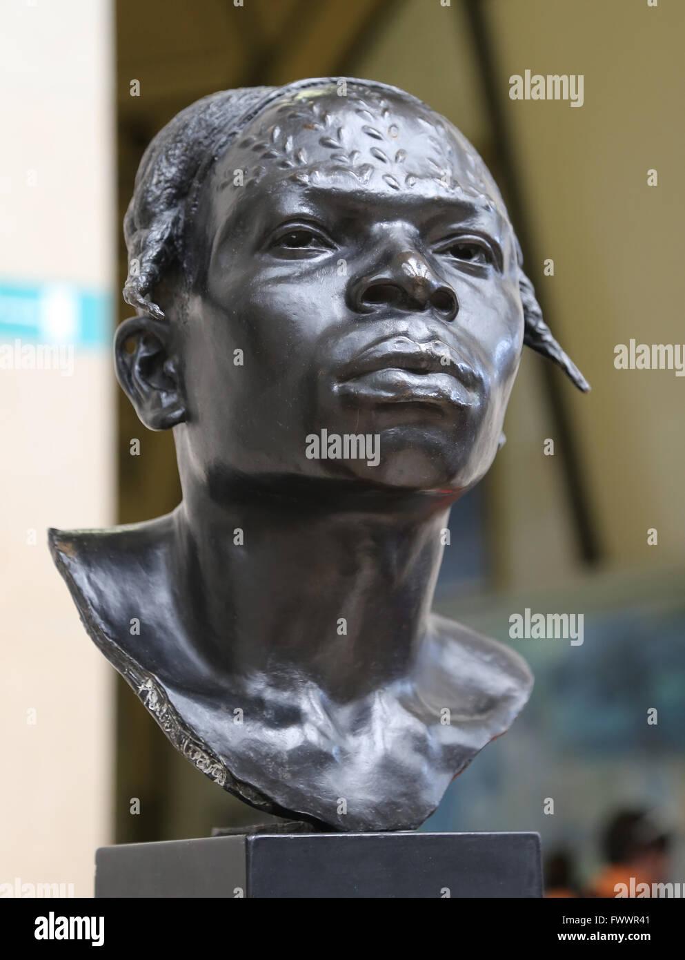 Indigenous Aruimi, bronze, by British sculptor and African explorer Herbert Ward (1863-1919). Orsay Museum. Paris. - Stock Image