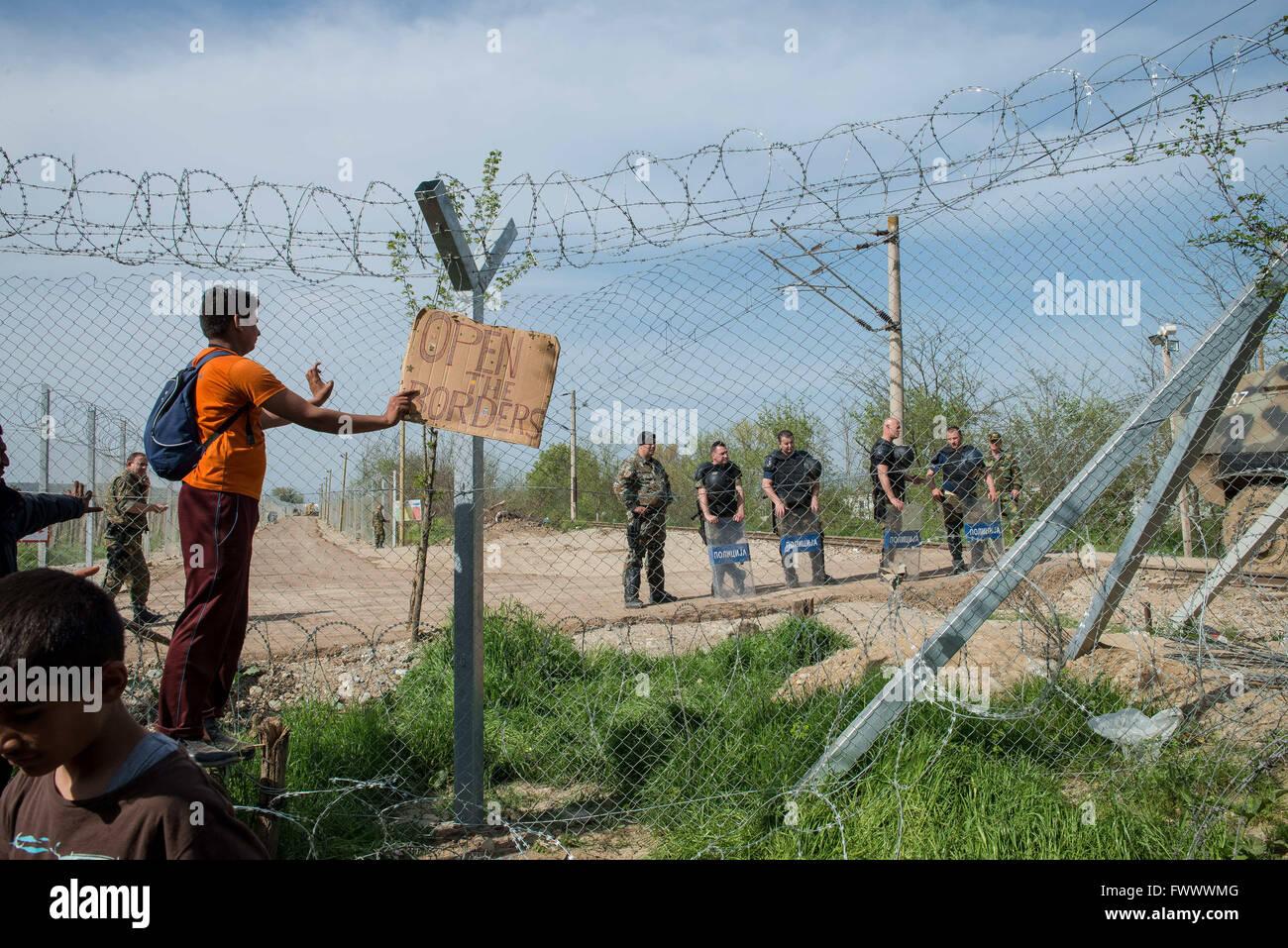 Idomeni, Greece. 7th Apr, 2016. 12,000 refugees remain in limbo in the Greek border town of Idomeni. A comprehensive - Stock Image