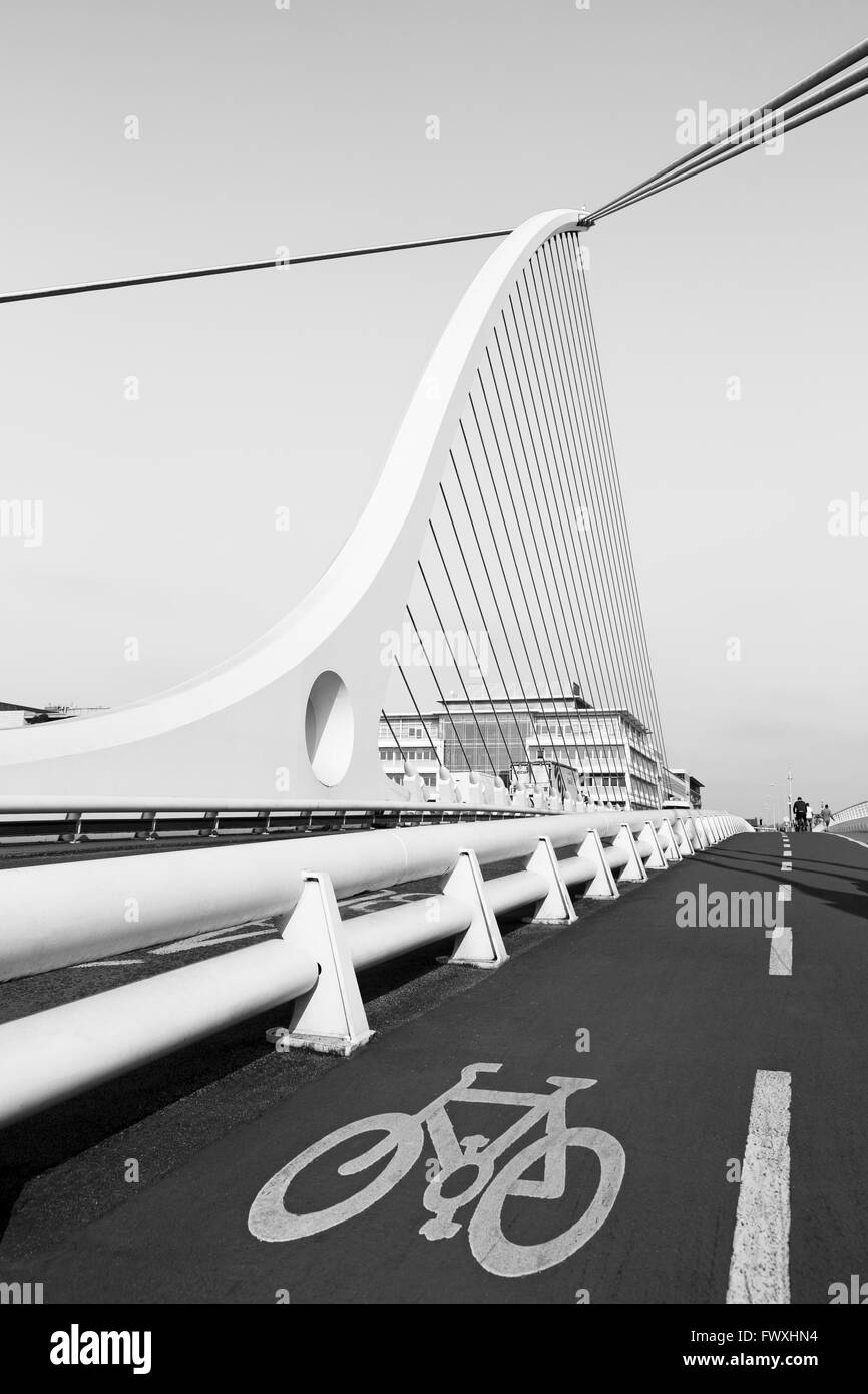 Samuel Beckett Bridge, River Liffey, Dublin City, County Dublin, Ireland, Europe - Stock Image