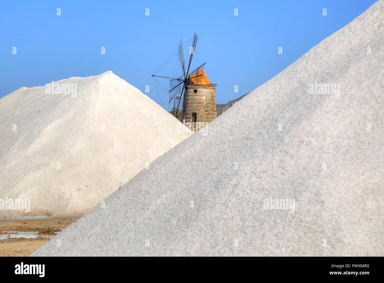 Saline, Trapani, Sicily, Italy, Europe - Stock Image