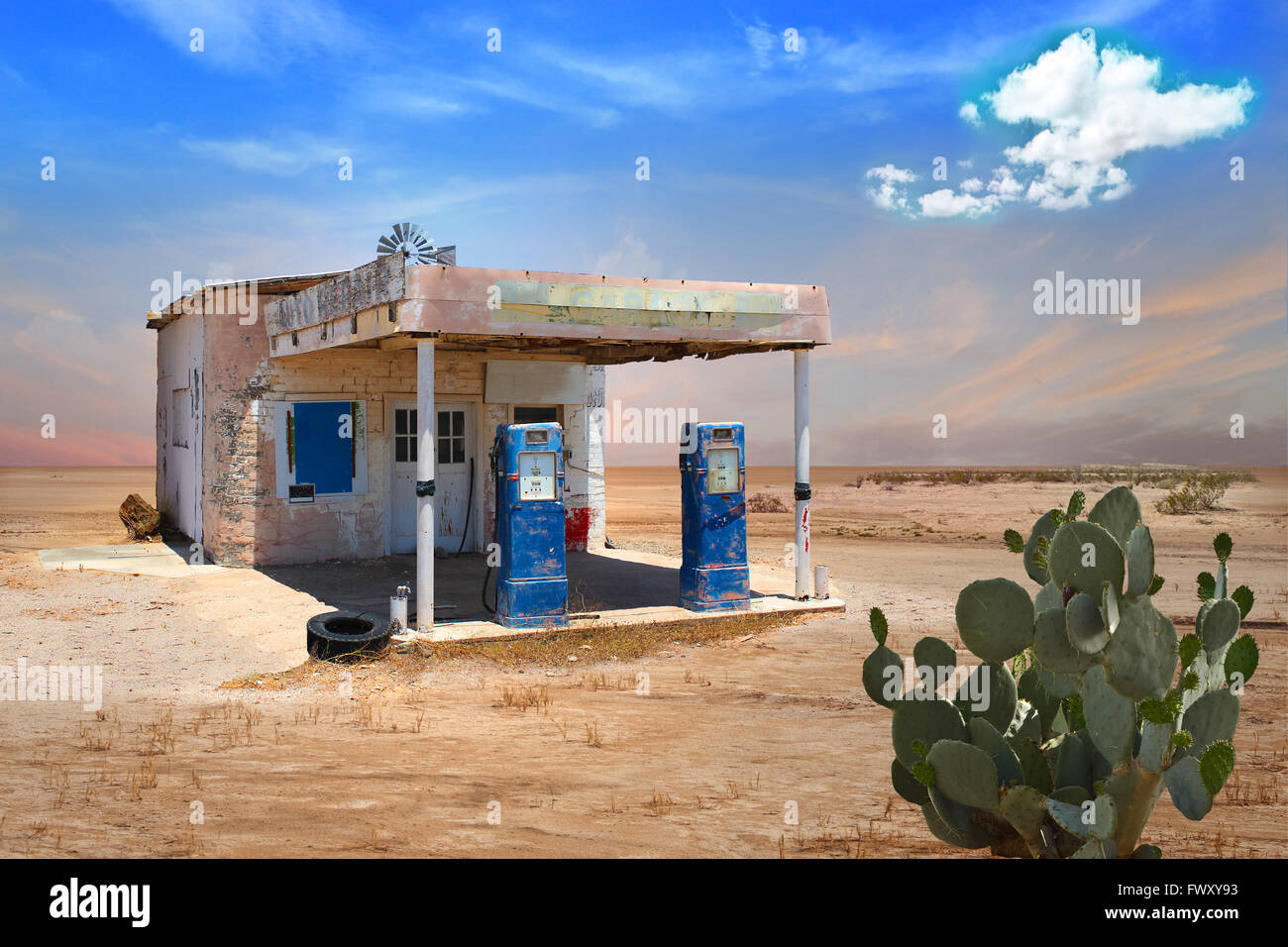 Abandoned Gas Station In Arizona Desert With Cactus In Foreground Stock Photo Alamy