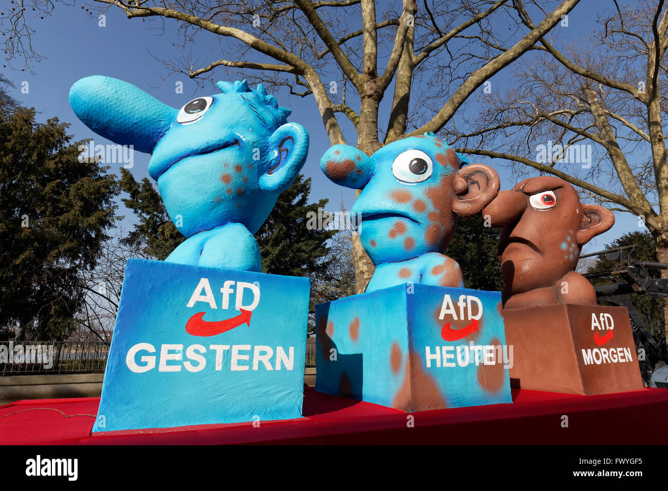 Figures representing the AfD yesterday, today, tomorrow, political caricature by Jacques Tilly, float, Rose Monday - Stock Image