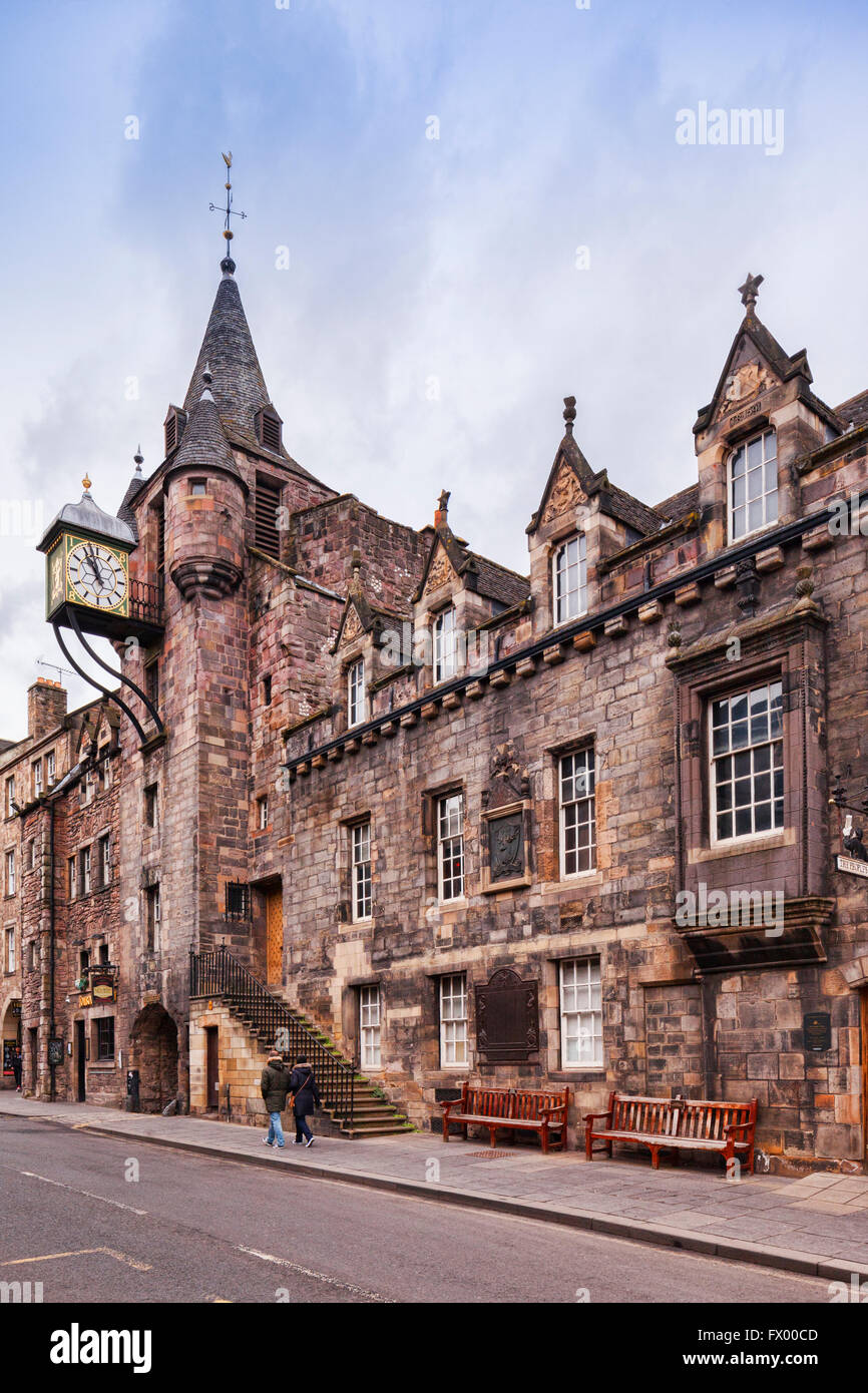 Canongate Tolbooth on Canongate, part of the Royal Mile in Edinburgh, Scotland. This was originally the courthouse, - Stock Image