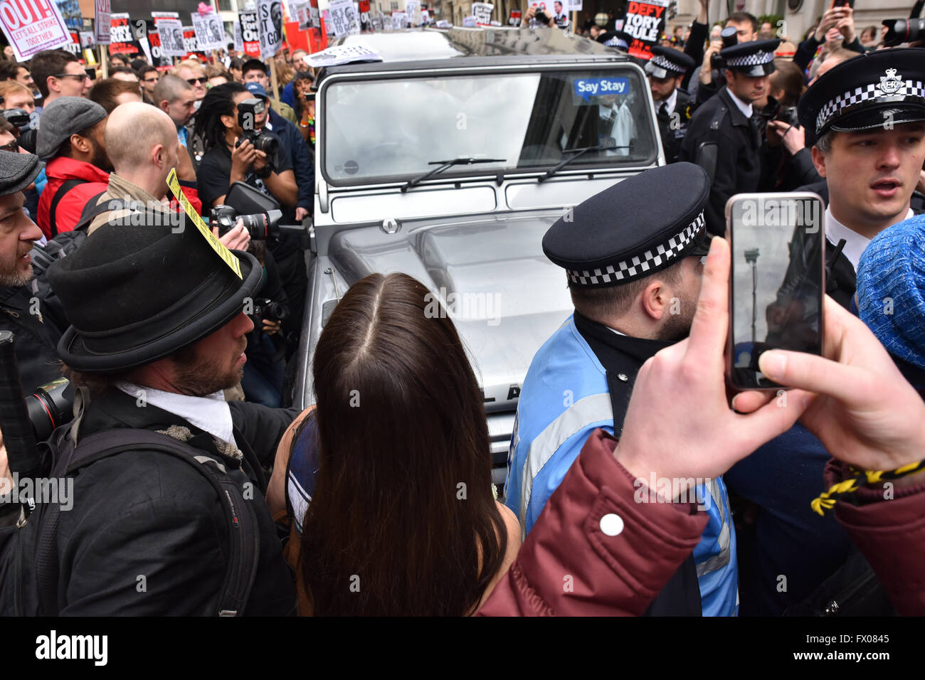 London, UK. 9th April 2016. David Cameron must resign demonstration held outside Downing Street and then moved to - Stock Image