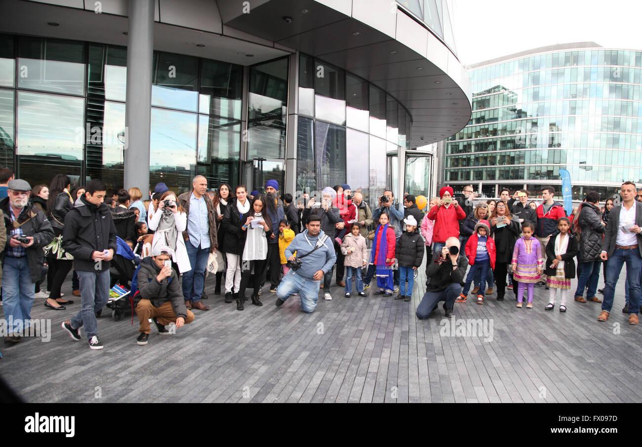 City Hall, London, UK. 9 April 2016. Sikhs  from all over the UK celebrates festival of Vaisakhi, (Sikhs' New Year) Stock Photo
