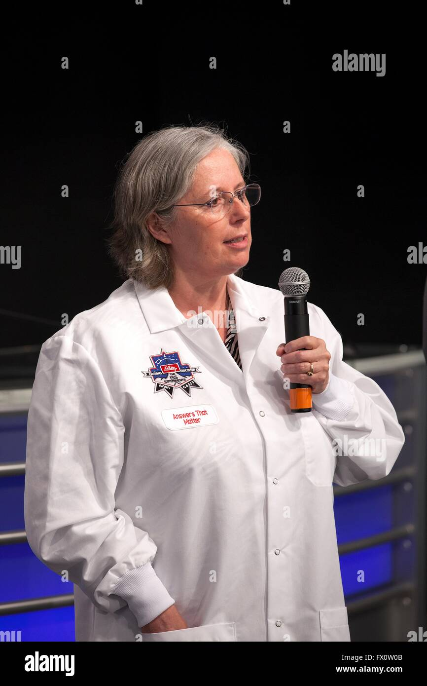 Rosamund Smith, a researcher with Eli Lilly Company explains the musculoskeletal changes in space experiment with - Stock Image