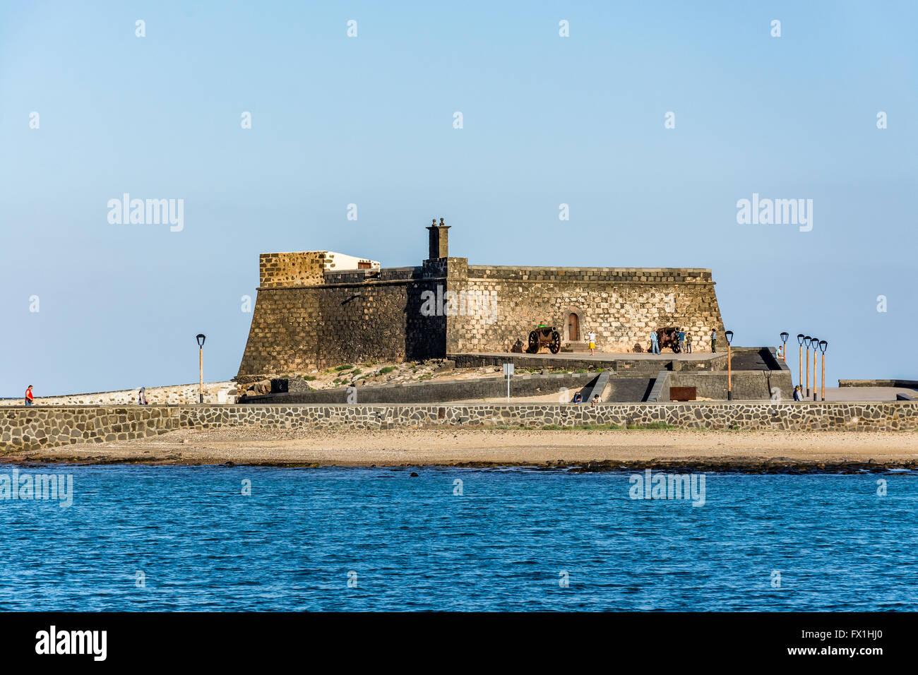 Castillo de San Gabriel - Saint Gabriel Castle in Arrecife and cannons in front of it, Lanzarote island, Spain - Stock Image