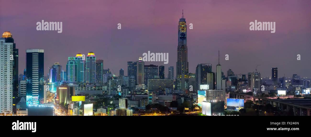 Wide panorama of Bangkok at night - Stock Image