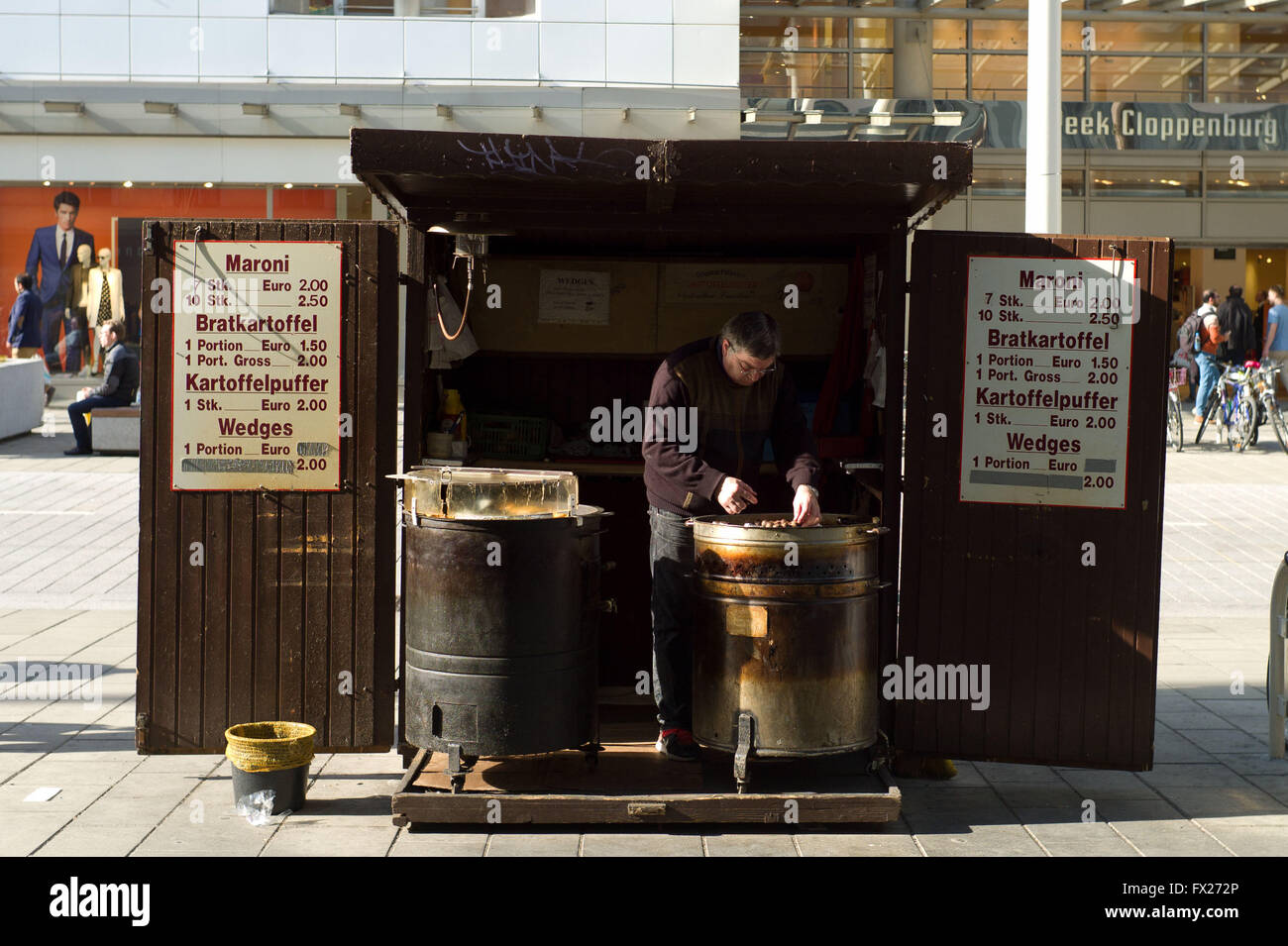 Failing to sell chestnuts on a hot day. Mariahilfer Strase Vienna Stock Photo