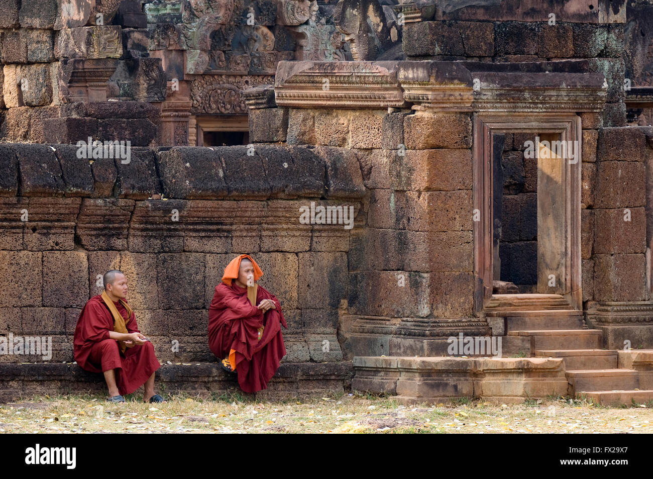 Monks in front of the Banteay Prei Temple, Angkor, Siem Reap, Cambodia, UNESCO World Heritage Site - Stock Image