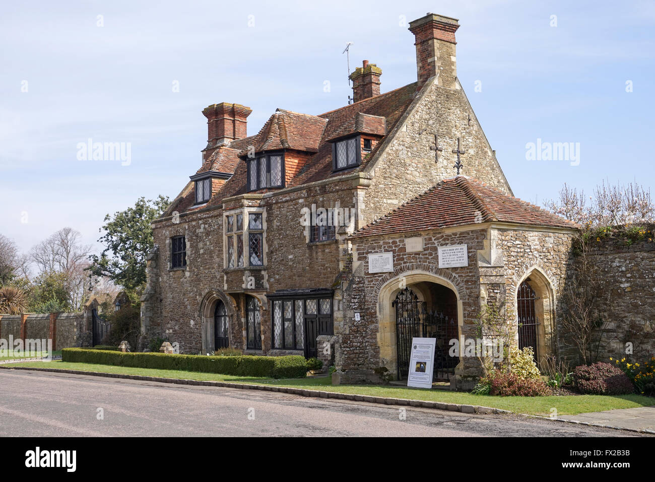 Town Well and Old Armoury, Winchelsea, East Sussex -1 - Stock Image