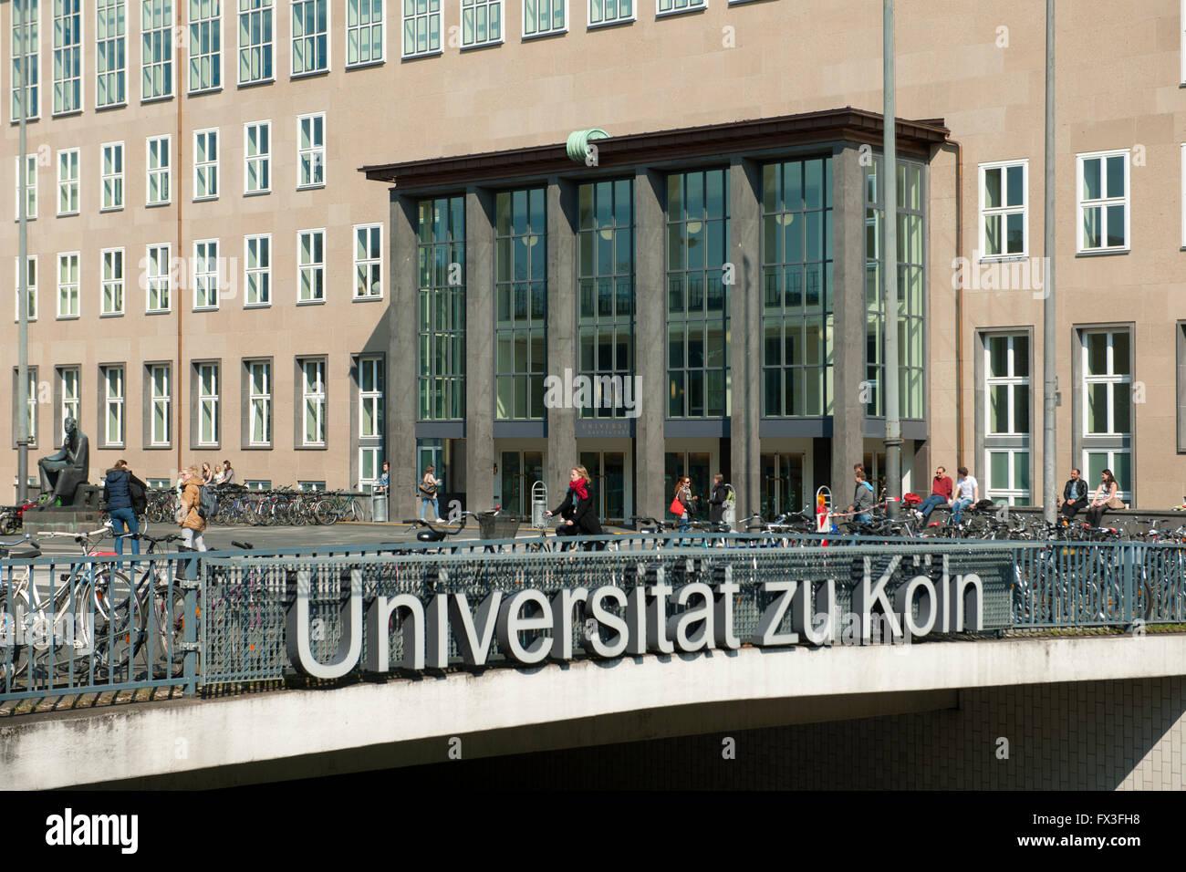 Köln, Sülz, Universitätsstrasse, Universität zu Köln,  Hauptgebäude am Albertus-Magnus - Stock Image
