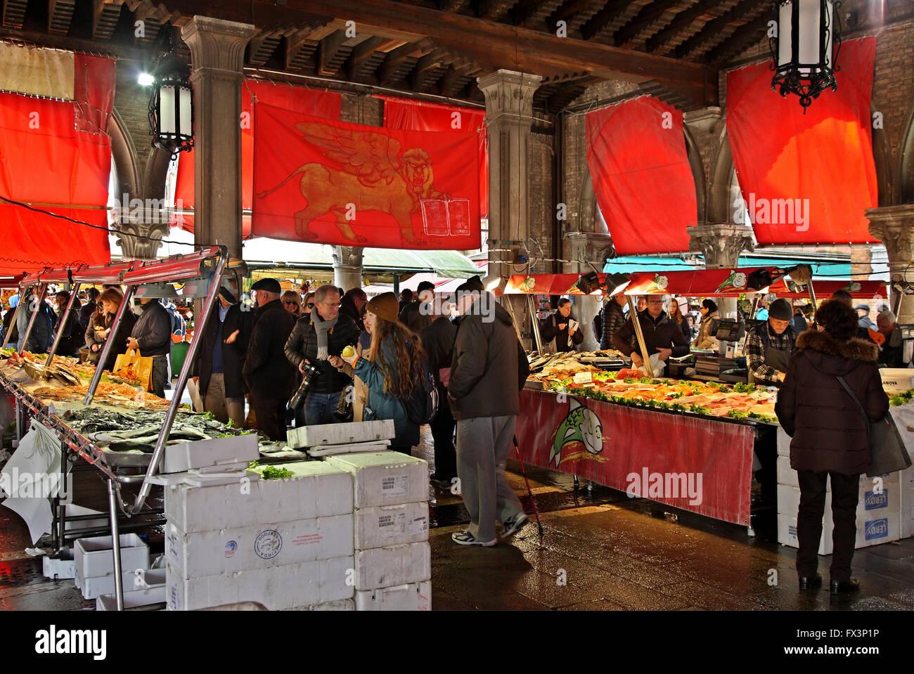 In Mercato di Rialto, the traditional market close to the famous bridge, Sestiere di San Polo, Venezia (Venice), - Stock Image