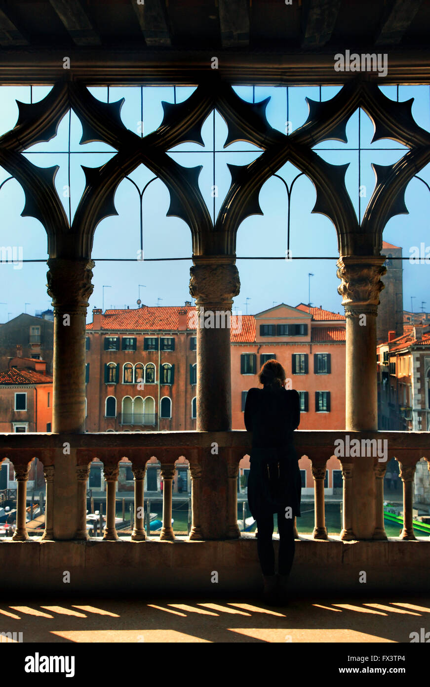 Enjoying the view to the Grand Canal from the balcony of Ca d'Oro, Sestiere di Cannaregio, Venezia (Venice), - Stock Image