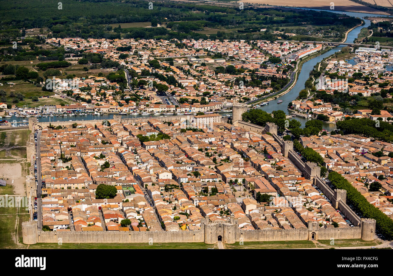 Aerial view, Medieval town with a rectangular walled city, southern France, Midi, Aigues-Mortes, France, Languedoc - Stock Image