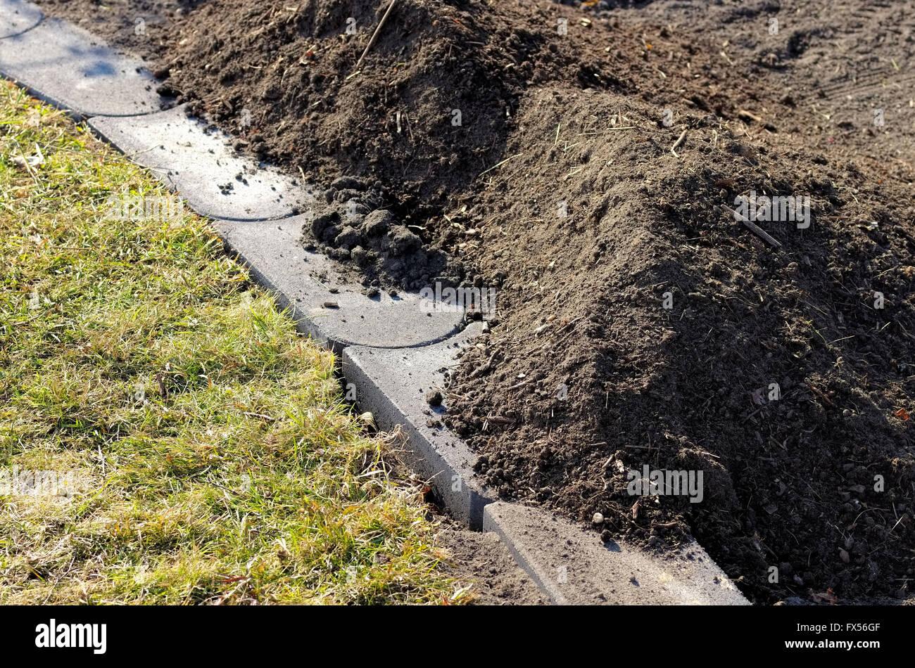 Rasenkantenstein Stock Photos Rasenkantenstein Stock Images Alamy
