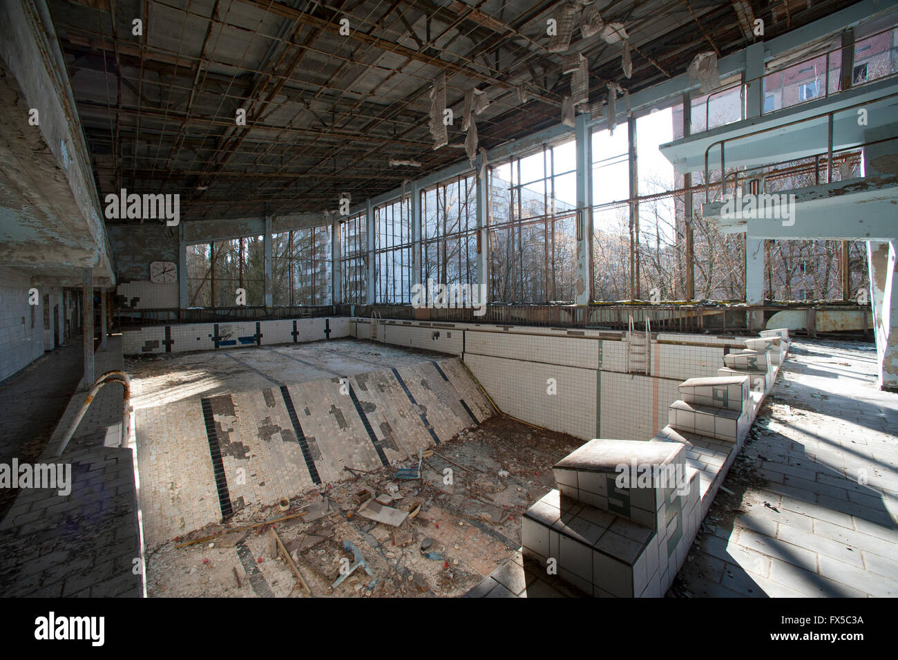 The swimming pool in the deserted town of Pripyat following the Chernobyl nuclear disaster in 1986 - Stock Image