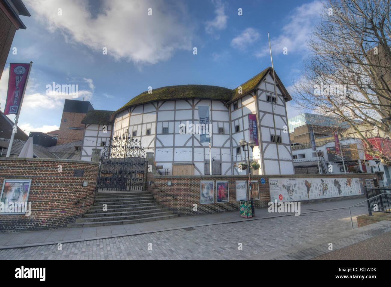 The globe theatre london shakespeares globe tudor theatre stock the globe theatre london shakespeares globe tudor theatre malvernweather Images