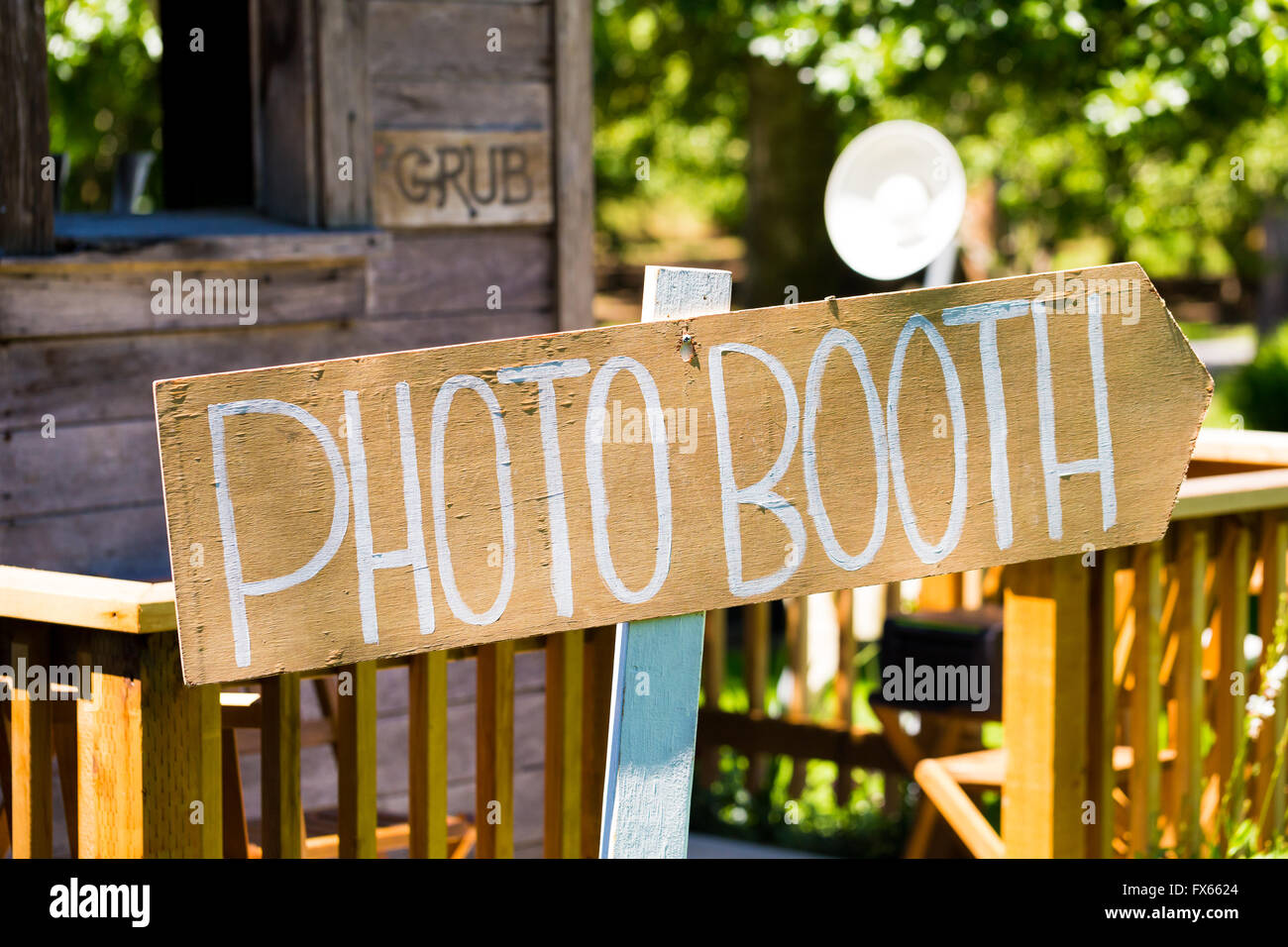 Photobooth Sign Outdoors At A Wedding Reception In Oregon Stock