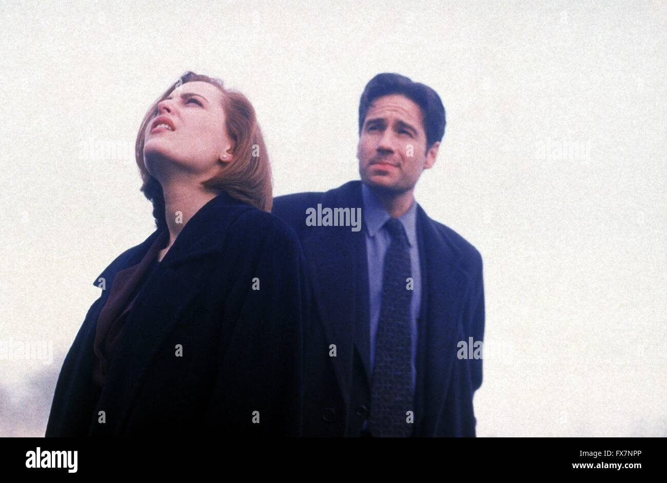 The X Files TV Series 1993 - 2002 USA 1996 Season 4 Created by Chris Carter David Duchovny , Gillian Anderson - Stock Image