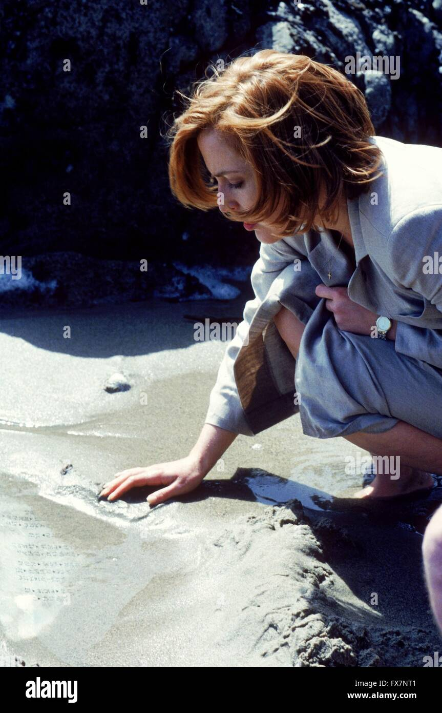 The X Files TV Series 1993 - 2002 USA 1998 Season 6 Created by Chris Carter Gillian Anderson Stock Photo