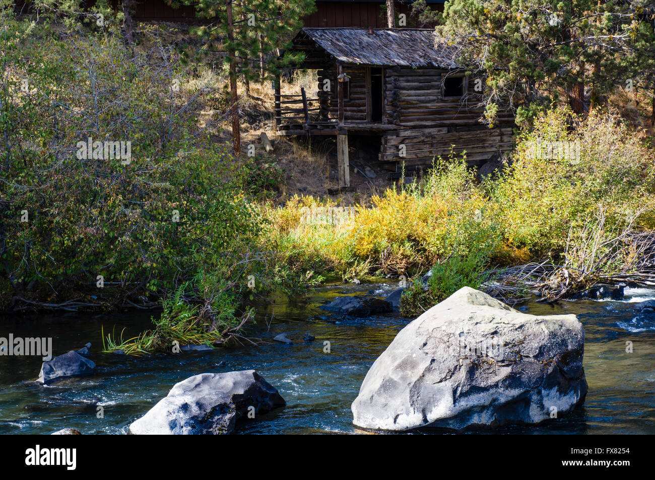 Log Cabin Along The Deshutes River At The Riverhouse Hotel Bend