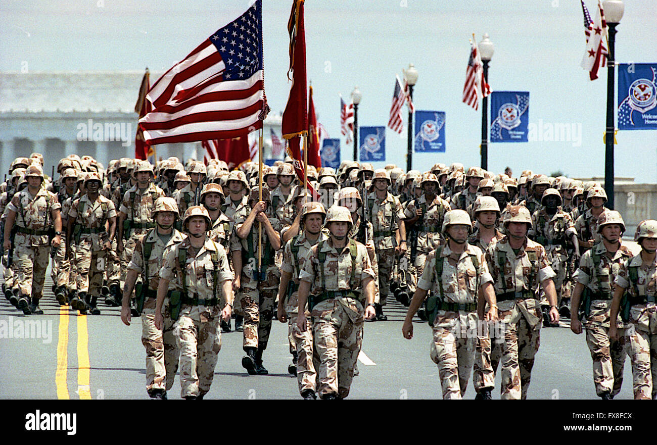 Washington, DC. 6-8-1991 A flag-waving crowd of 200,000 people cheered veterans of Operation Desert Storm as the - Stock Image