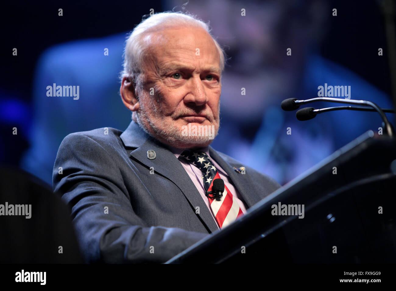 Phoenix, Arizona, USA. 12th Apr, 2016. Former Apollo astronaut Buzz Aldrin addresses attendees at the 2016 Cloud Stock Photo
