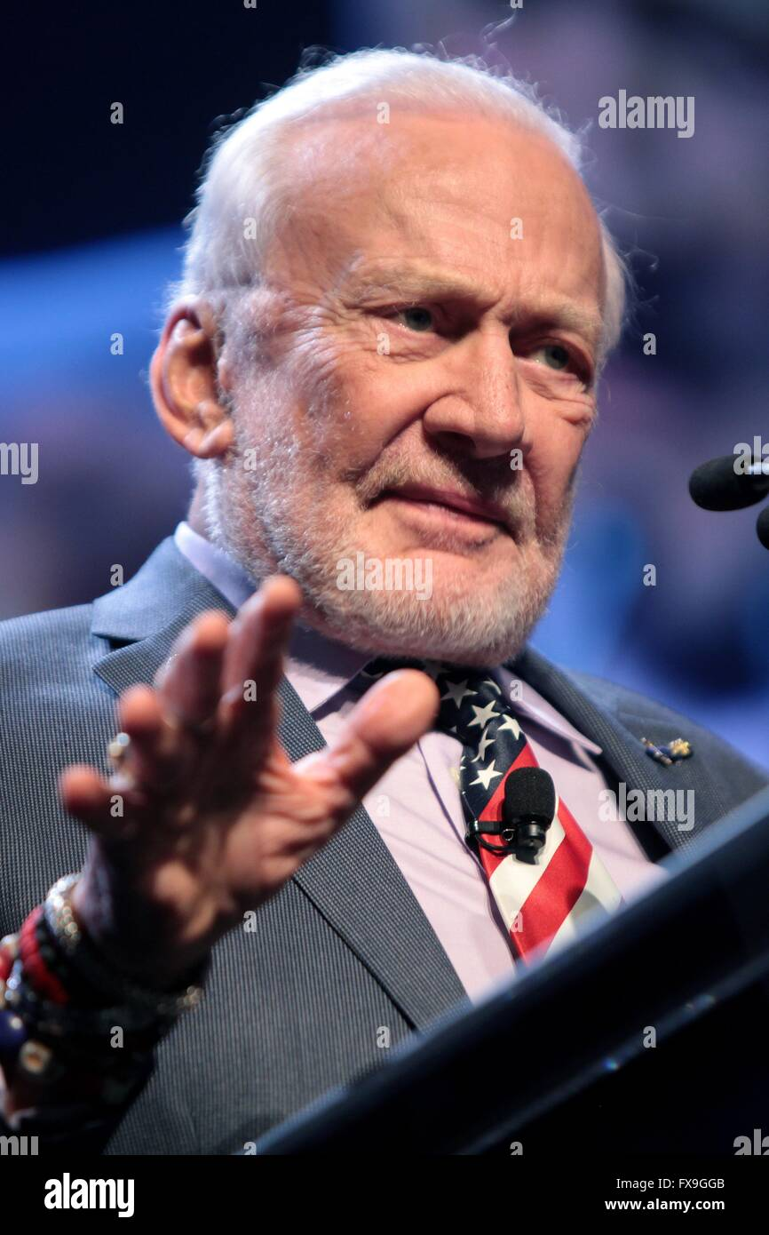Phoenix, Arizona, USA. 12th Apr, 2016. Former Apollo astronaut Buzz Aldrin addresses attendees at the 2016 Cloud Stock Photo
