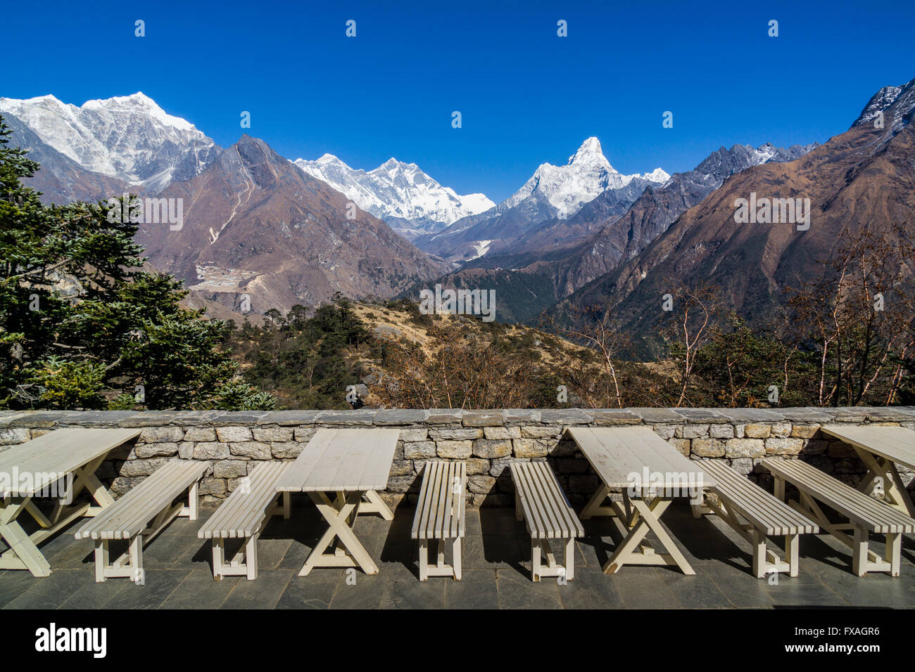 View of Mt. Everest from the Everest View Hotel, located high above Namche Bazar at an altitude of 3900m, Namche - Stock Image