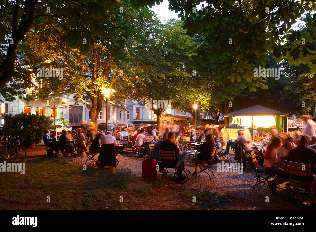 Beer Garden Under Stock Photos & Beer Garden Under Stock Images - Alamy