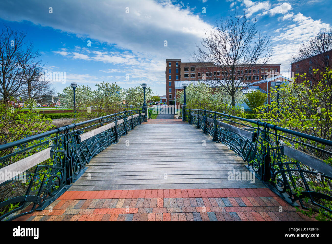 Bridge over Carroll Creek, in Frederick, Maryland. - Stock Image