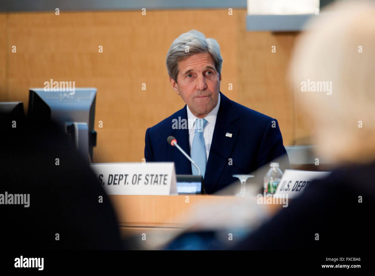 Washington DC, USA. 14th April, 2016.  US State Secretary John Kerry and President of World Bank Group, Jim Yong - Stock Image