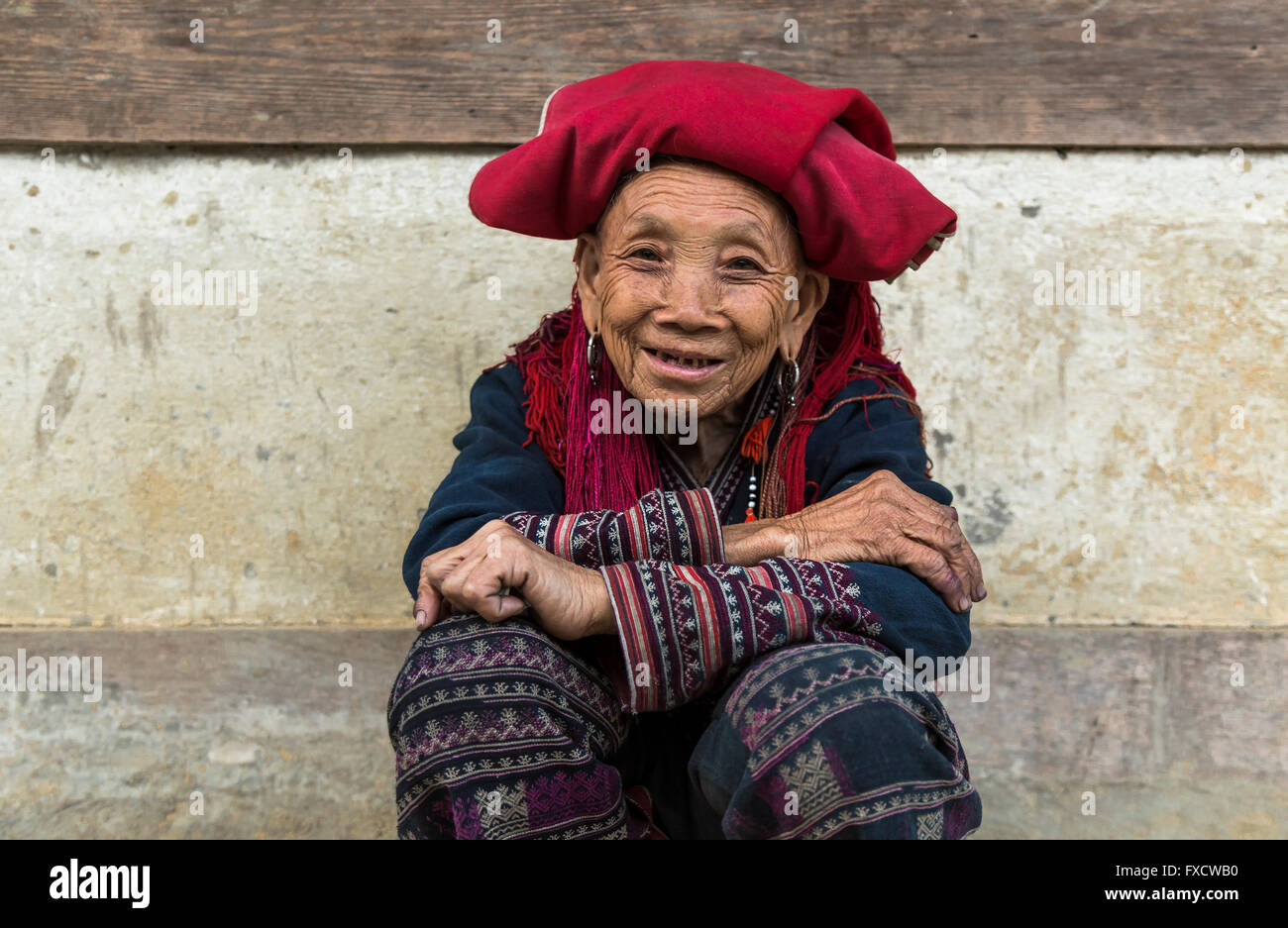 SaPa, Vietnam - March 2016 - Vietnamese old lady from the Black Hmong tribe. - Stock Image