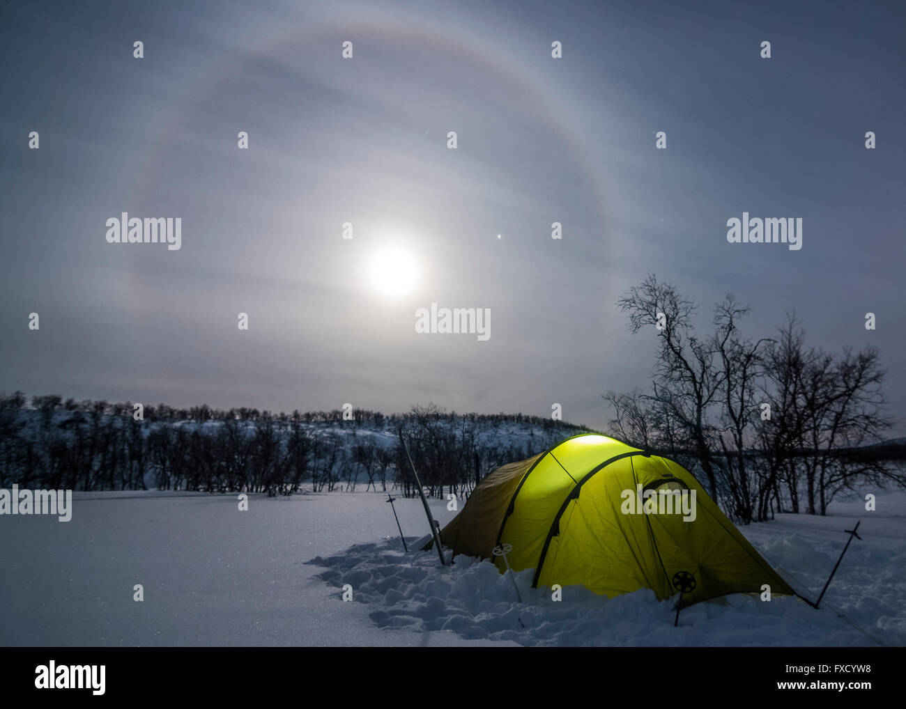 Tent in the arctic night of Finland - Stock Image